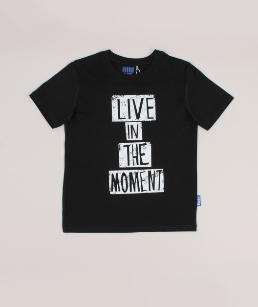 LIVE IN THE MOMENT חולצת טי